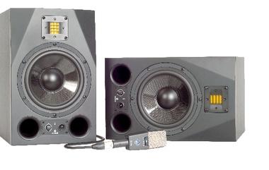 Test: Nah-Mittelfeldmonitor ADAM A8X