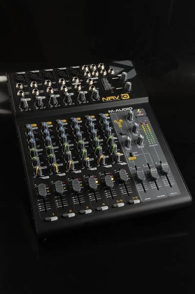 Test: Kompaktmischpult M-Audio NRV 10