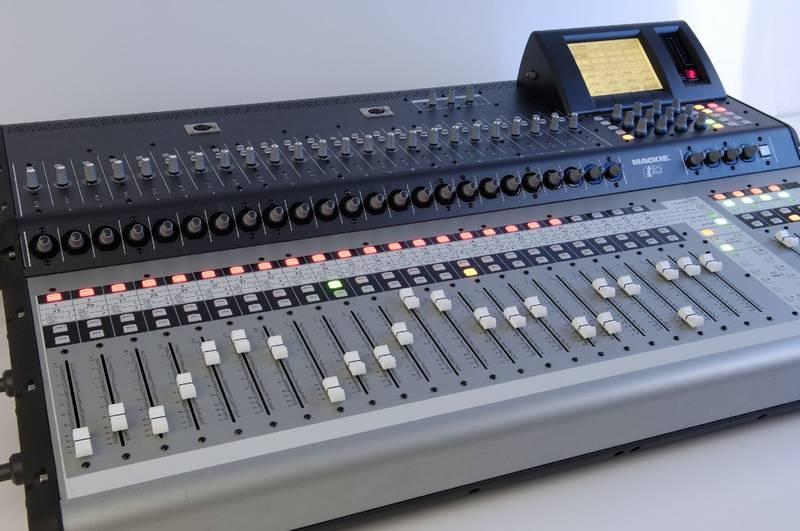 Test: Digitales Live-Mischpult Mackie TT24