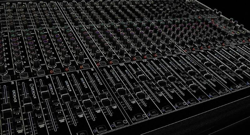 Test: Analoges Live-Mischpult Mackie Onyx 24.4