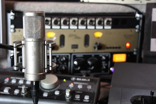 SPL Goldmike 9844 – zweikanaliger Class-A Mikrofonvorverstärker in Transistor-Röhren Hybridbauweise
