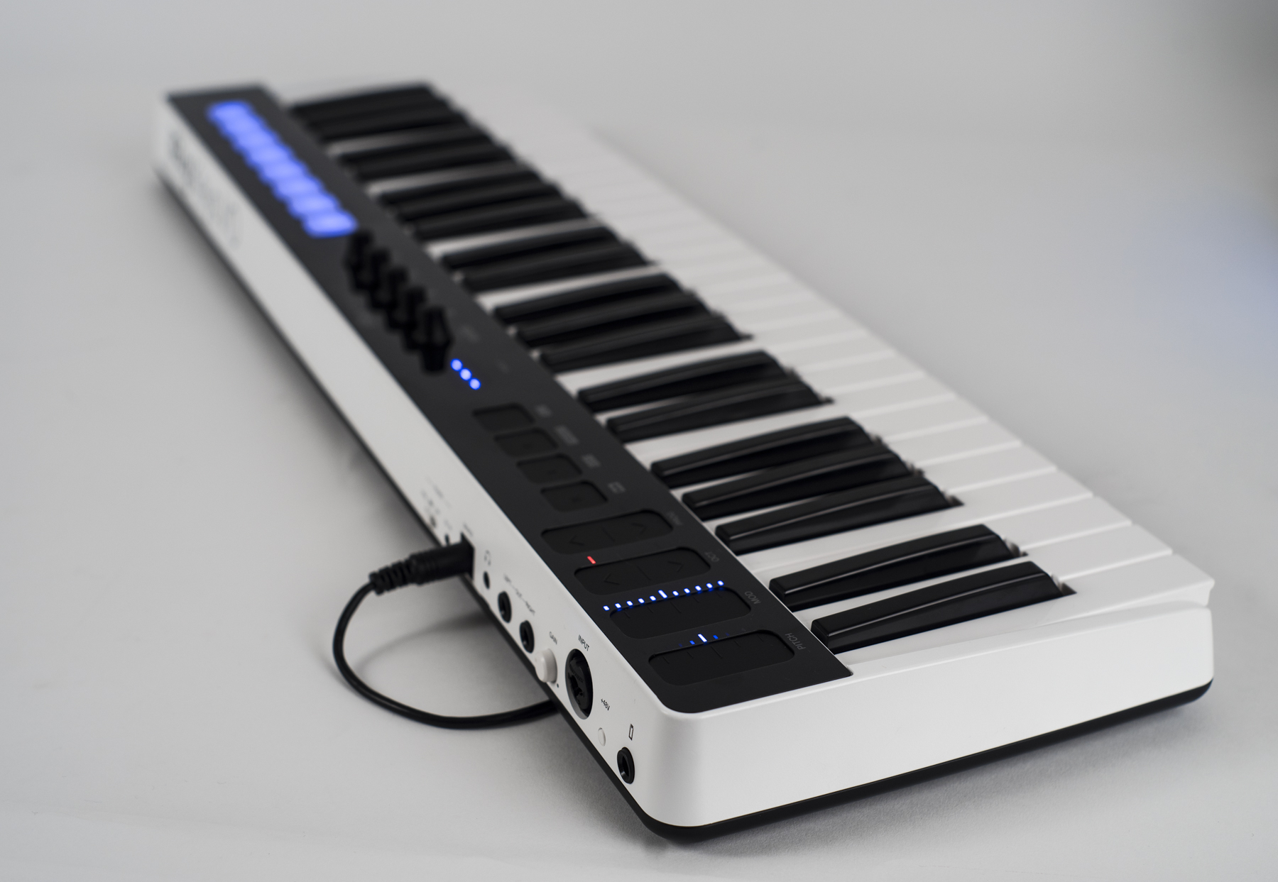 Test: Keyboard-Controller/Interface IK Multimedia iRig Keys I/O 49