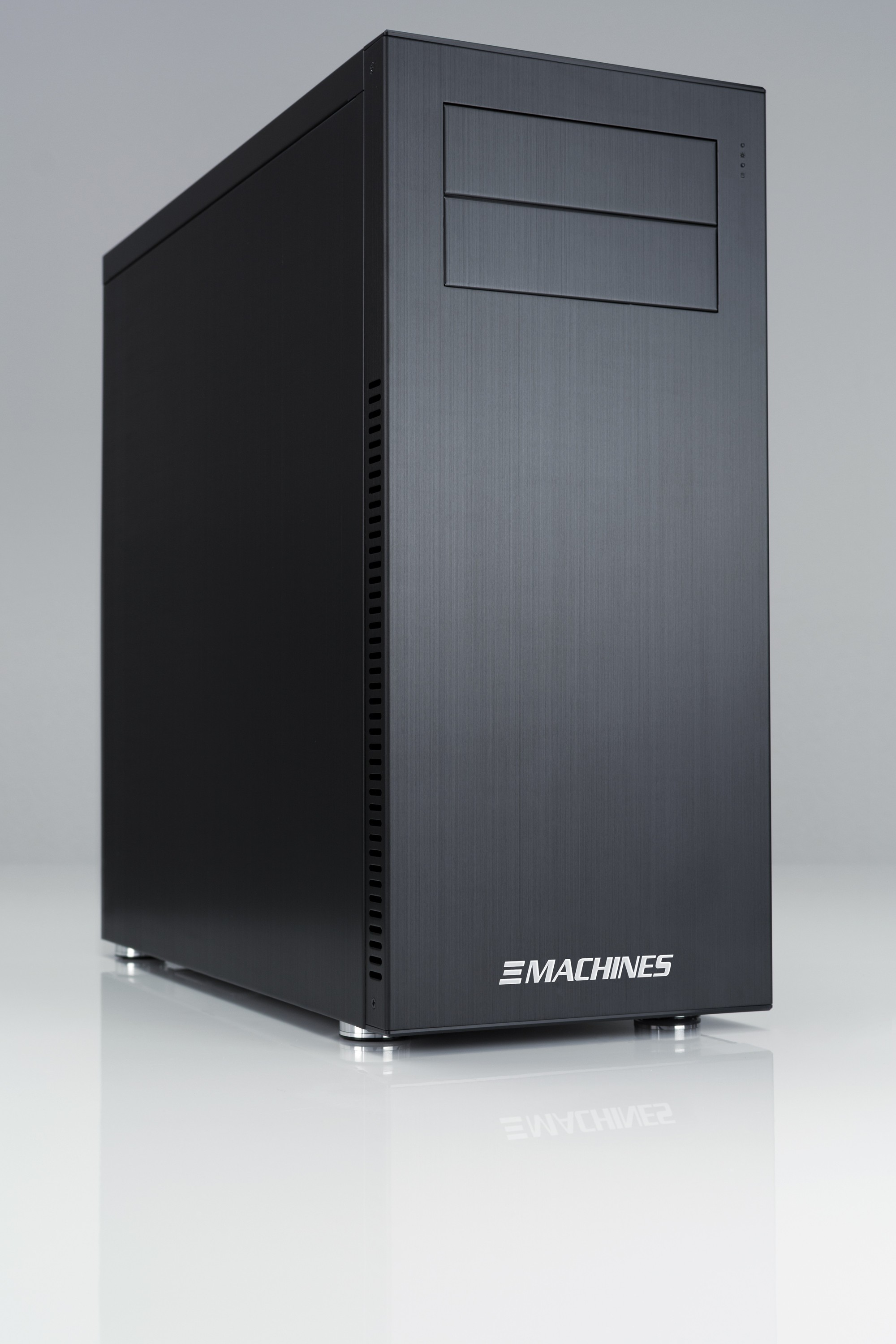 News: XI-Machines mit neuer Einstiegs-Workstation C1