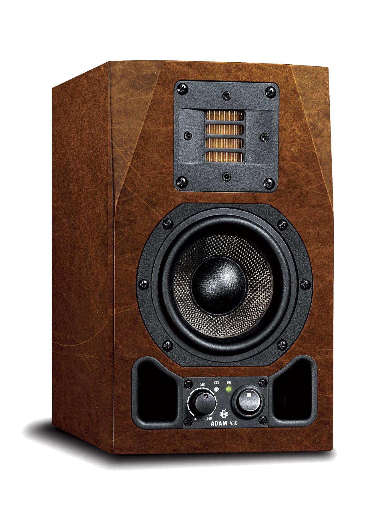 News: Folienaufkleber für die Monitore der AX-Serie von Adam Audio vorgestellt