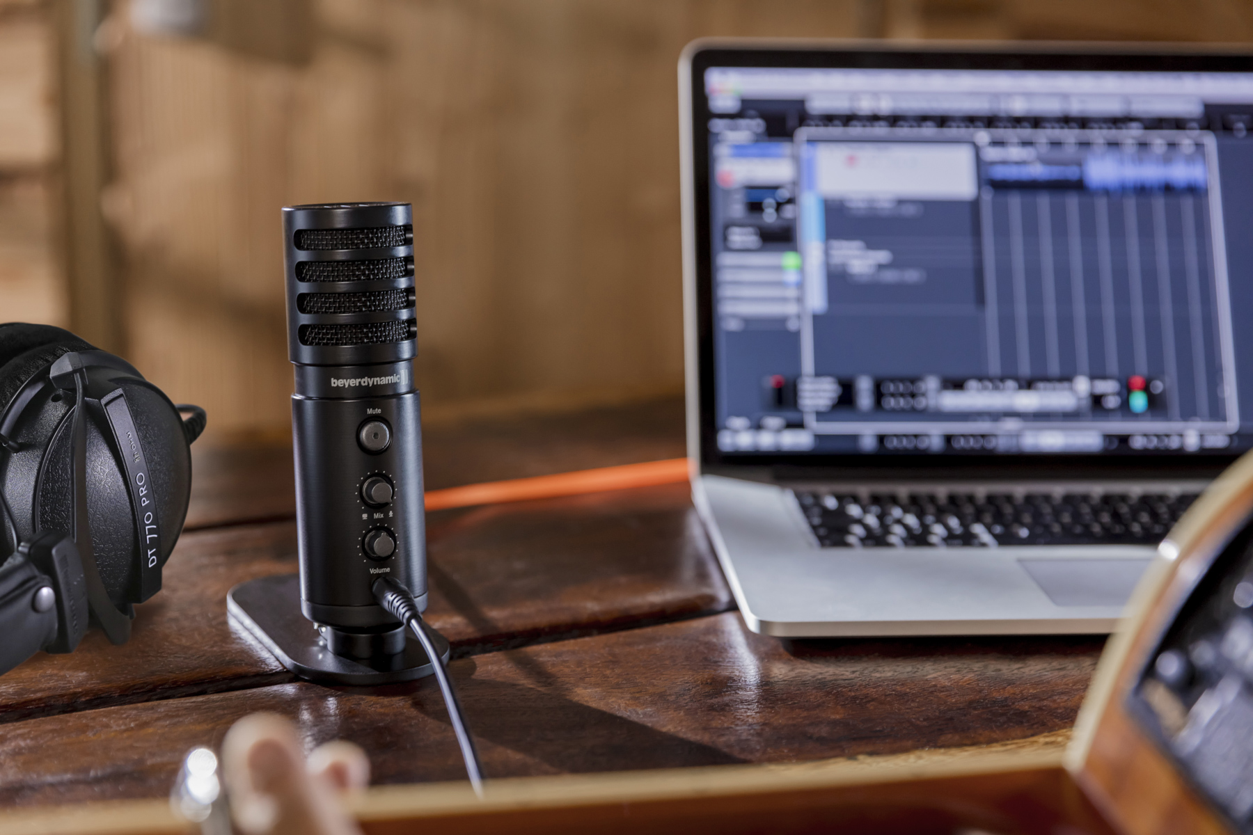 News: Beyerdynamic Creator Bundles mit dem Interface Fox, Kopfhörern und Cubase 9 LE