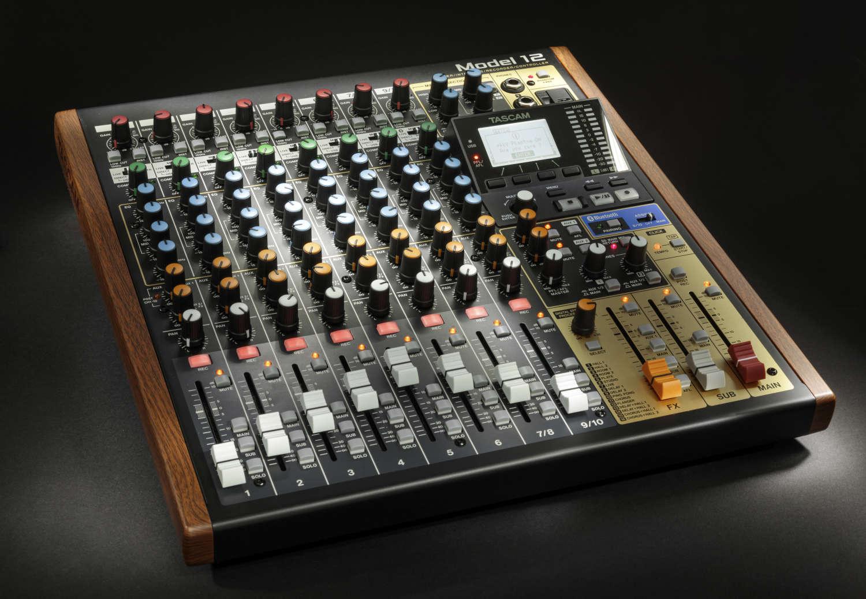 Exklusiv-Test: Mixer & Recorder Tascam Model 12