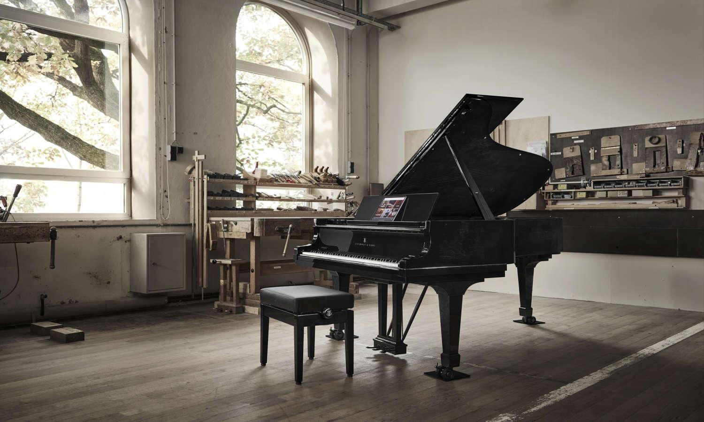 Steinway & Sons enthüllt Black Masterpiece Limited Edition