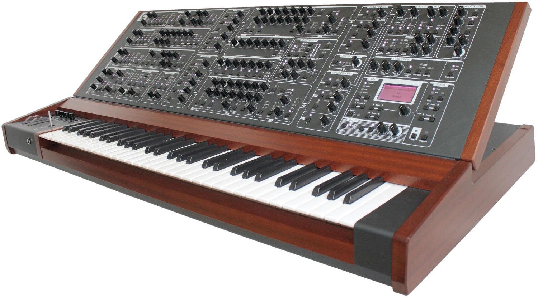 Vierte Charge des Schmidt Eightvoice Analog Synthesizer wird ausgeliefert